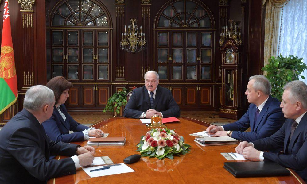 Відставка! 200 силовиків пішли – склали все. Лукашенка скинули, свої ж здали. Він розлючений, скоро кінець