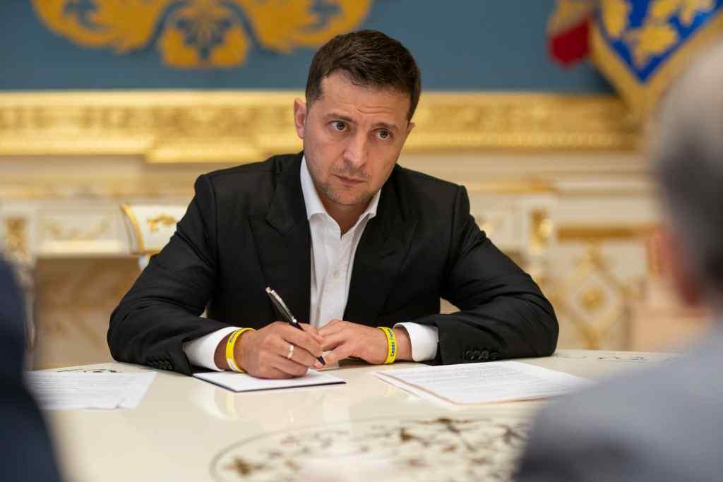 Підписав буквально сьогодні: Зеленський вразив своїм вчинком. Українці аплодують. Хороша звістка