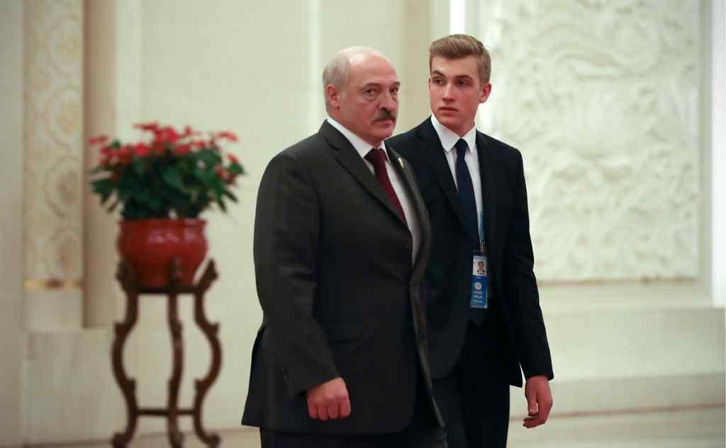 """Щойно! Це сталось – потужний """"удар"""" по Лукашенкові. Вже зараз, список на столі. Дістанеться синові"""
