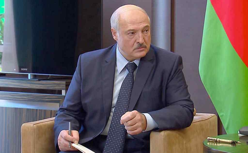 """Під вечір! Лукашенко віддав термінове доручення, мають домовитися. Зеленський почув – """"готові взяти на себе"""""""