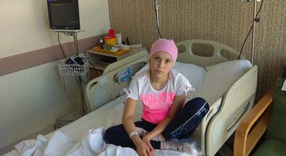 """""""Почалася боротьба за життя…"""" Про порятунок життя Насті благають її батьки"""