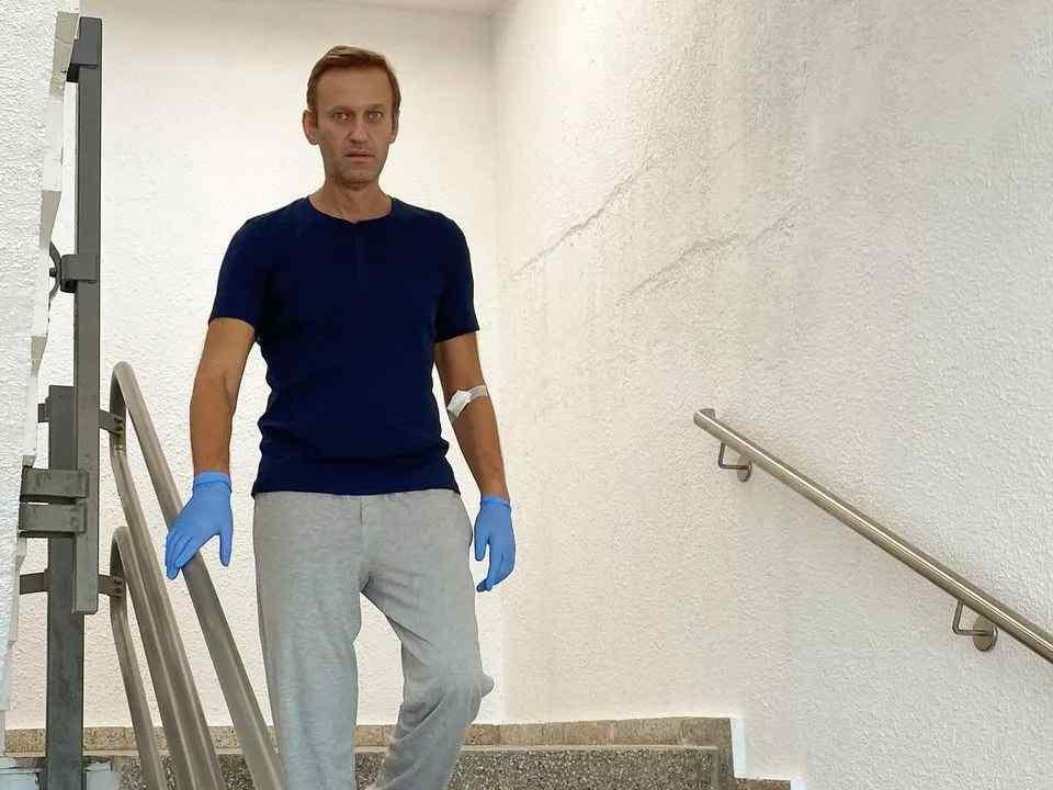 Навальний встав! Російський опозиціонер розповів про свій стан: попереду ще  купа проблем. Шокуючі зізнання