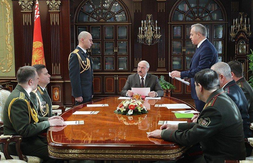 Генерал утік – я команди не дам! Лукашенко в шоці – армія відмовилася. Міністр істерить – тільки що, накрили