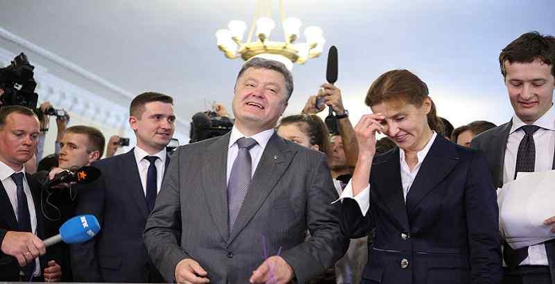 """На всю країну! Соратник Тимошенко"""" вліпив"""" Порошенку – він не патріот. Це він привів Медведчука"""