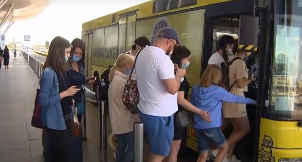 Ситуація з карантином різко погіршилася, термінове попередження МОЗ: що чекає українців