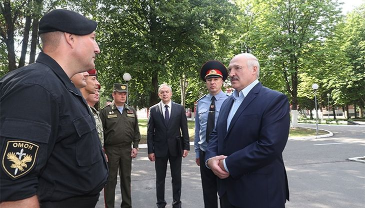 Диктатор в шоці! Лукашенка погнали – ОМОН не врятує. Тільки що – народ все вирішив. Прорив