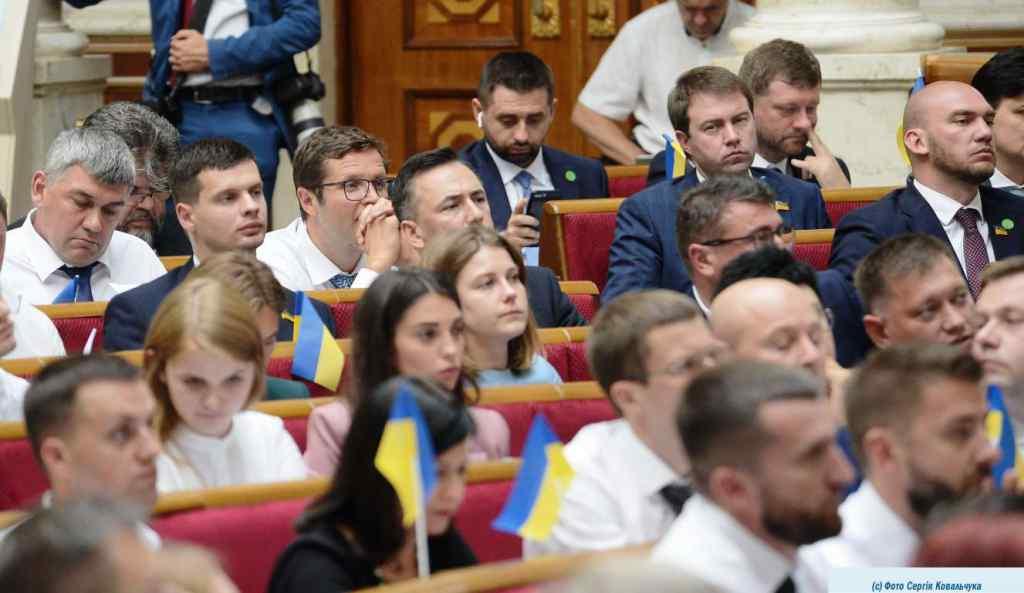 """Просто шок! Їх """"вигнали"""" з Верховної Ради – приголомшливе рішення. Обуренню немає меж – будуть протести"""