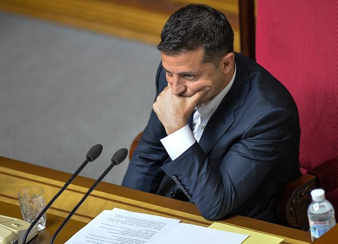 """""""Обіцянку виконаю"""". Зеленський в шоці, він йде – """"буду складати мандат"""". Гучна заява, отримав довіру"""