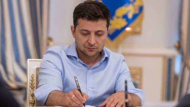 Після підпису Зеленського! В країні почав діяти важливий закон, українці аплодують – давно чекали