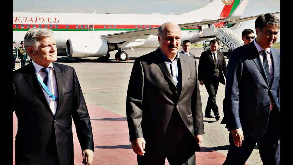 Немає ніякого сенсу! Лукашенко все – пора покинути країну. Більше ніхто – зміна влади