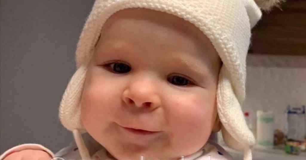 Єва народилась з генетичною вадою, яка ставить життя крихітки під загрозу