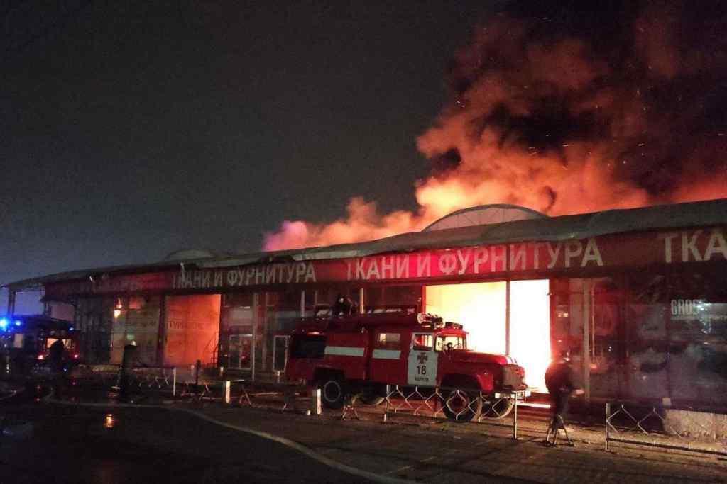 Серед ночі! Містян підірвала масштабна пожежа, шокуючі деталі: залучили близько 100 пожежників