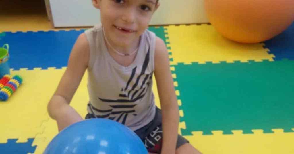 Страшний діагноз керує життям маленького Кирила! Батьки благають про допомогу – боротьба триває