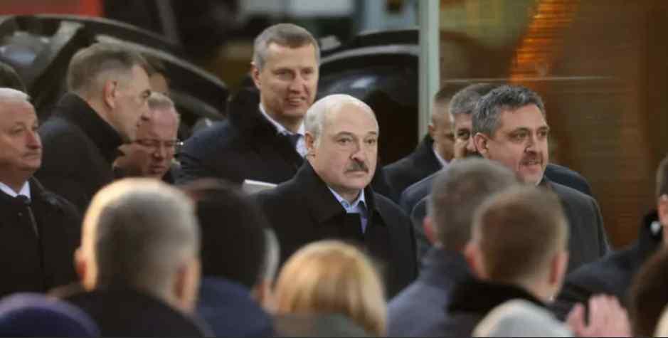 У ці хвилини! Лукашенко в холодному поту – анафема. Диктатора відлучили – місця немає, не пустили!