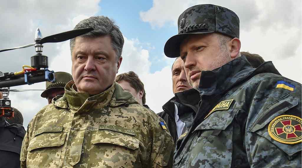 """Тільки що! Турчинов не  чекав – за нього взялись: """"На допит!"""". Порошенко в шоці – """"не розібралися"""""""