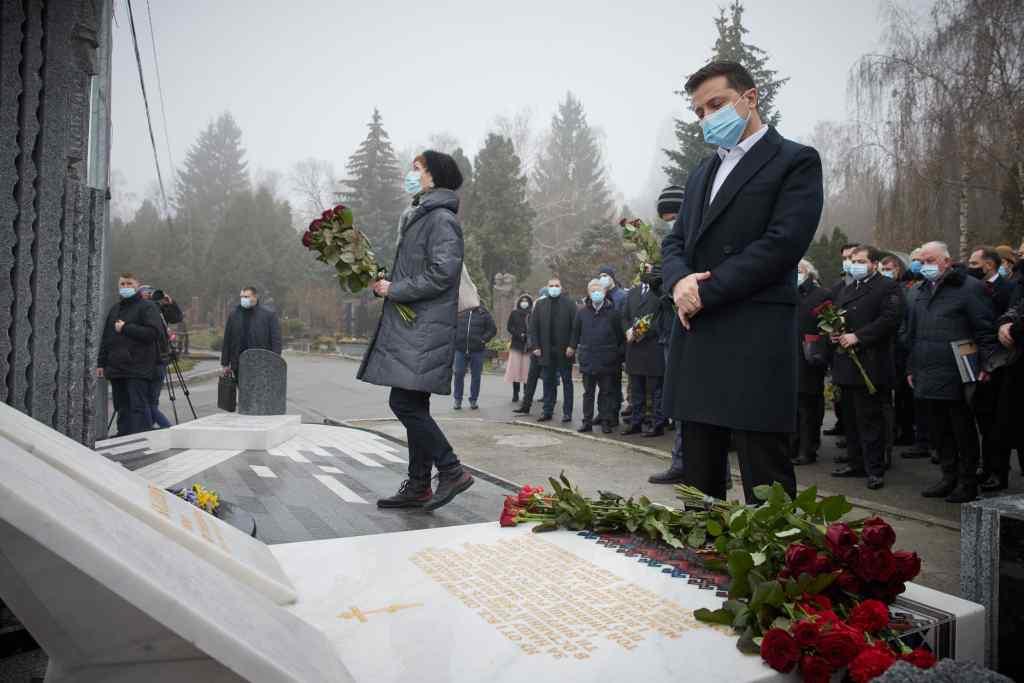 Щойно! Зеленський зробив це особисто – обов'язок держави. Президент дав обіцянку – вдова у сльозах…