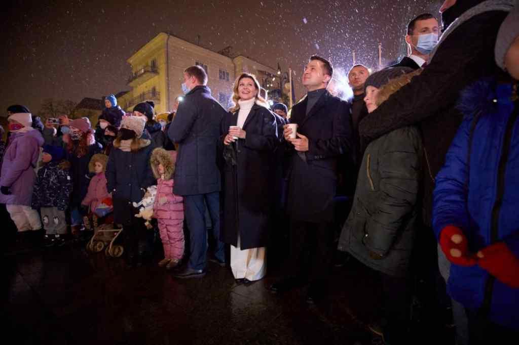 Просто зараз! Зеленський з дружиною вразили українців – без пафосу, разом з людьми. Сльози на очах від побаченого….