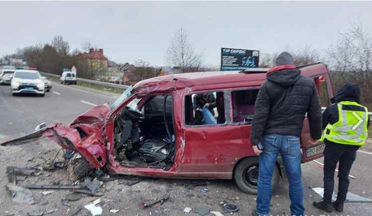 Автівки розлетілися на друзки. Країну приголомшила трагічна ДТП – одразу 4 машини: є загиблі і поранені