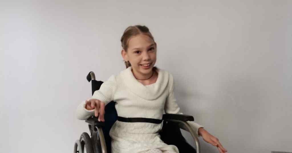 """""""Дитина зможе почати самостійно ходити """": Допоможіть Ангеліні пройти потрібну операцію"""