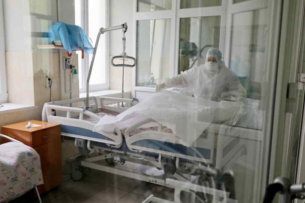 Кількість хворих зростає! Оновлена статистика по коронавірусу в Україні. Київ – лідирує