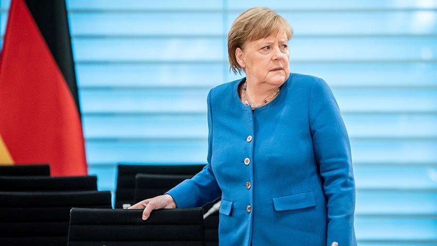 """У ці хвилини! Меркель повідомили, соратники зробили це – новий очільник. Почув кожен: """"своя"""" людина"""