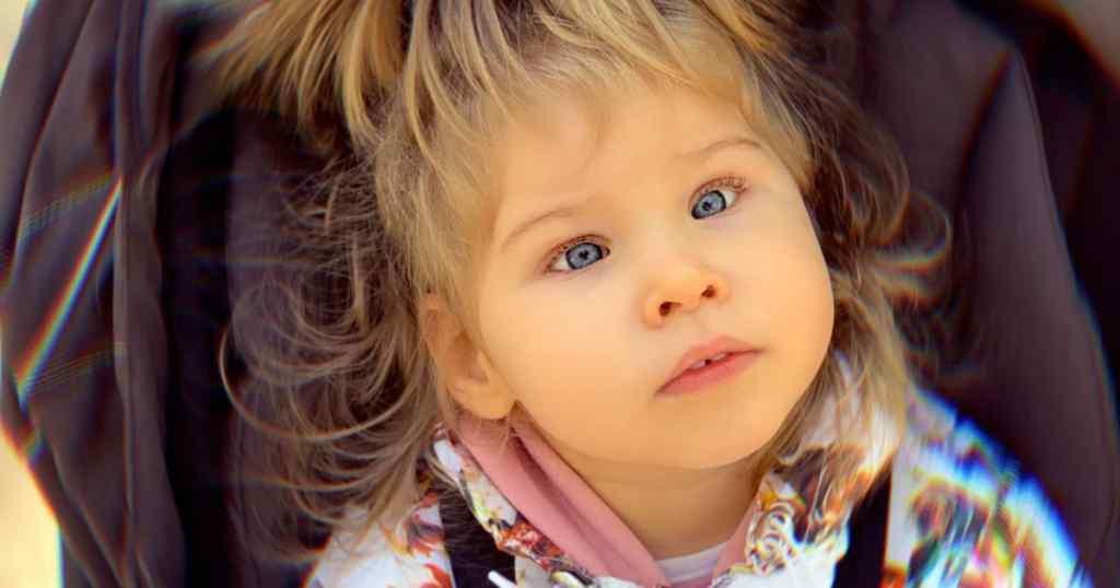 Маленька Мілана мріє про повноцінне життя – дівчинка потребує вашої допомоги!