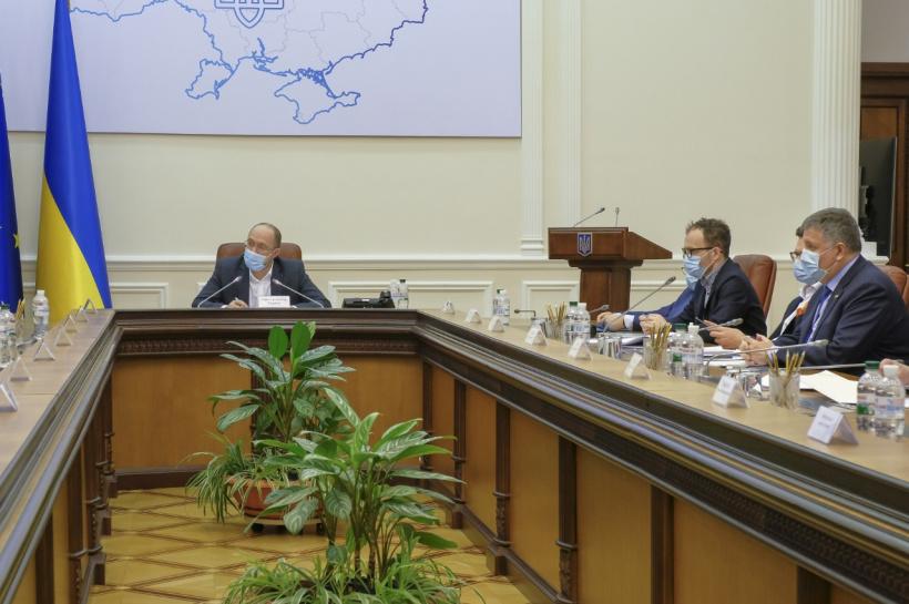 Просто на засіданні! Кабмін призначив їх – скандальні чиновники отримали високі посади. Українці шоковані!