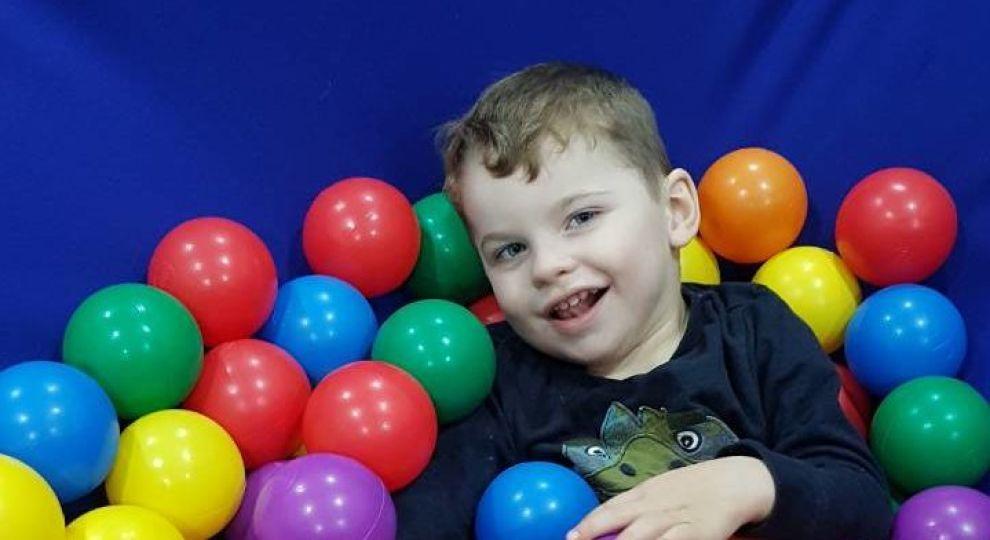 Діагноз ДЦП не дозволяє дитині розвиватися як однолітки. 4-річний Владик потребує вашої допомоги