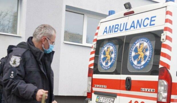 Страшна трагедія трапилася з сім'єю у Львові, трьох дітей досі рятують лікарі: подробиці НП