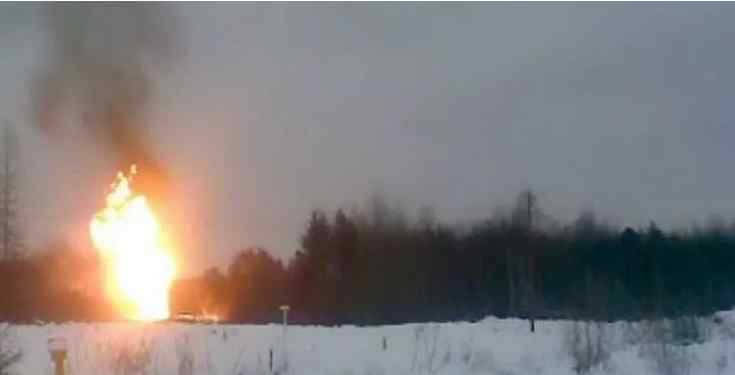 """Над ранок! Потужний вибух сколихнув країну – бачили величезну заграву. Скандальна заява: """"диверсія"""""""