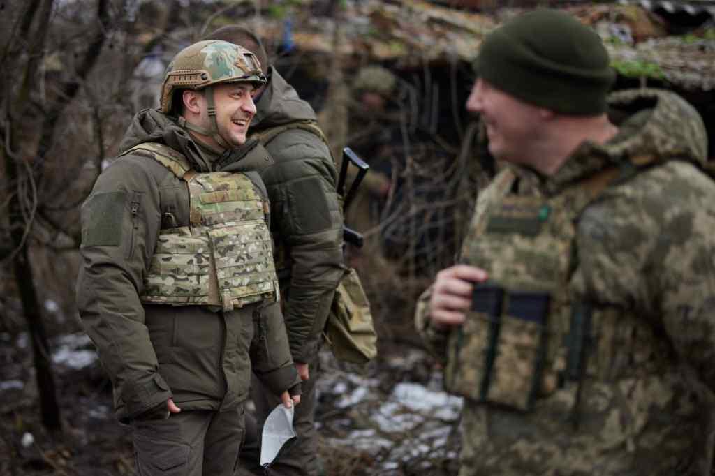 Годину тому! Зеленський вже там – разом з військовими: завжди готові прийти на допомогу! Браво