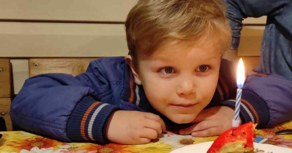 Потрібна допомога! Маленький Володя продовжує боротьбу зі страшною хворобою – без підтримки ніяк