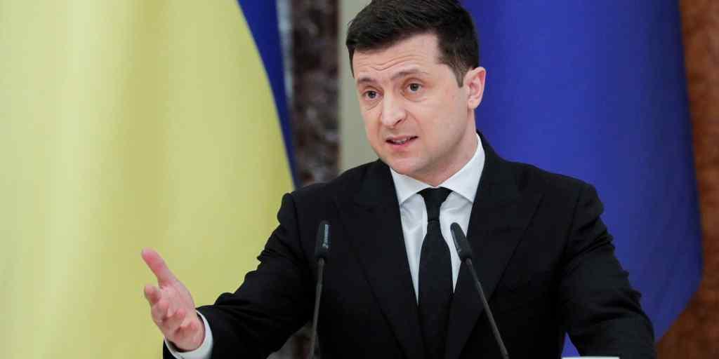 Просто на вечір! Гучне звільнення – Зеленський підписав указ : 2 млн гривень хабаря – гнати його!