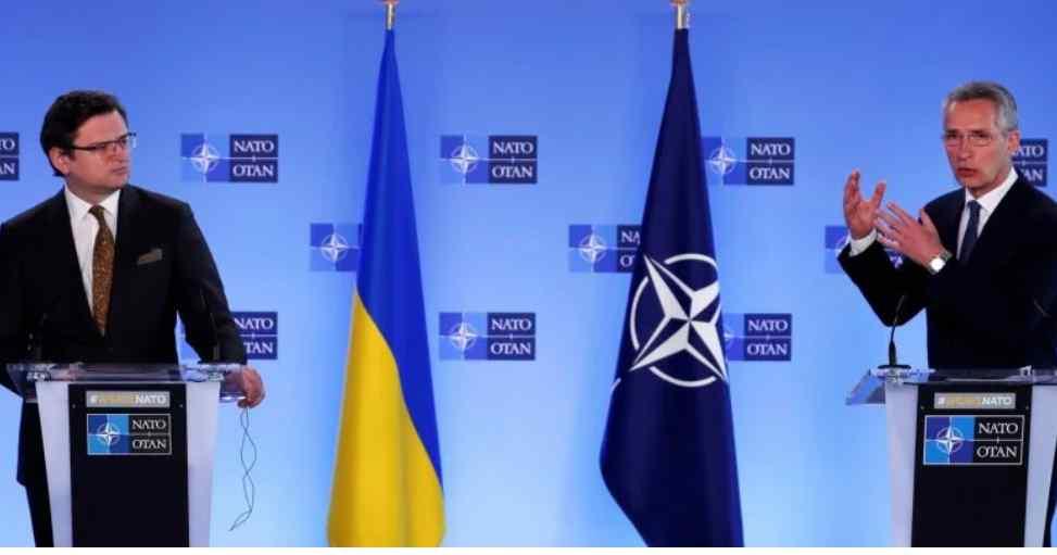 Просто під час Брифінгу! Столтенберг видав – не дозволять. Курс на НАТО взято – важливий момент