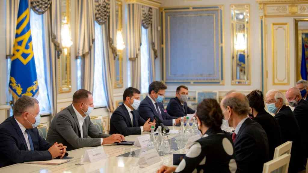 Україна в ЄС! Одразу після засідання – у президента зробили це: стримування Москви – нові санкції, Путіна попередили! Їм кінець