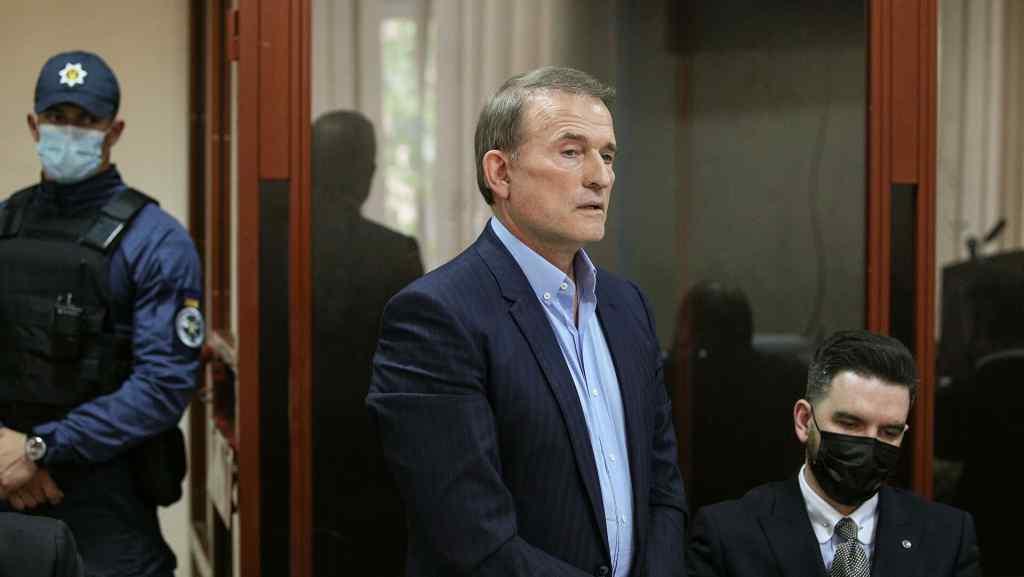 Терміново! Медведчук зблід, суд прийняв рішення – ОПЗЖ не врятували. Соратник не чекав: зрікся його