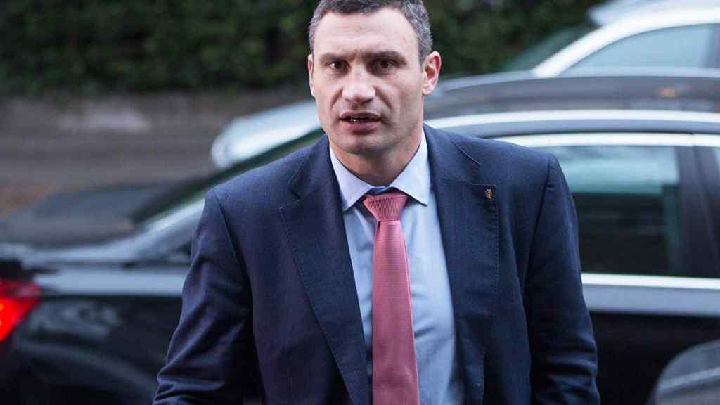 Годину тому! Силовики під дверима – Кличко в ауті: приїхали до нього додому, вже чекають!