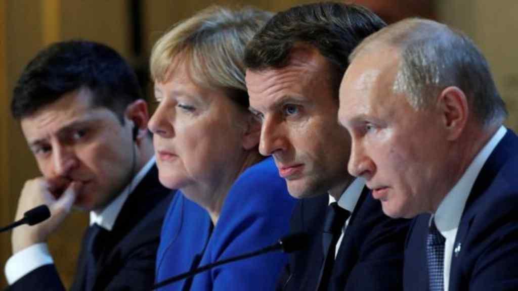 """Пропозиція Меркель і Макрона до Путіна """"розколола"""" ЄС – Нідерланди, Латвія і Литва відмовляються"""