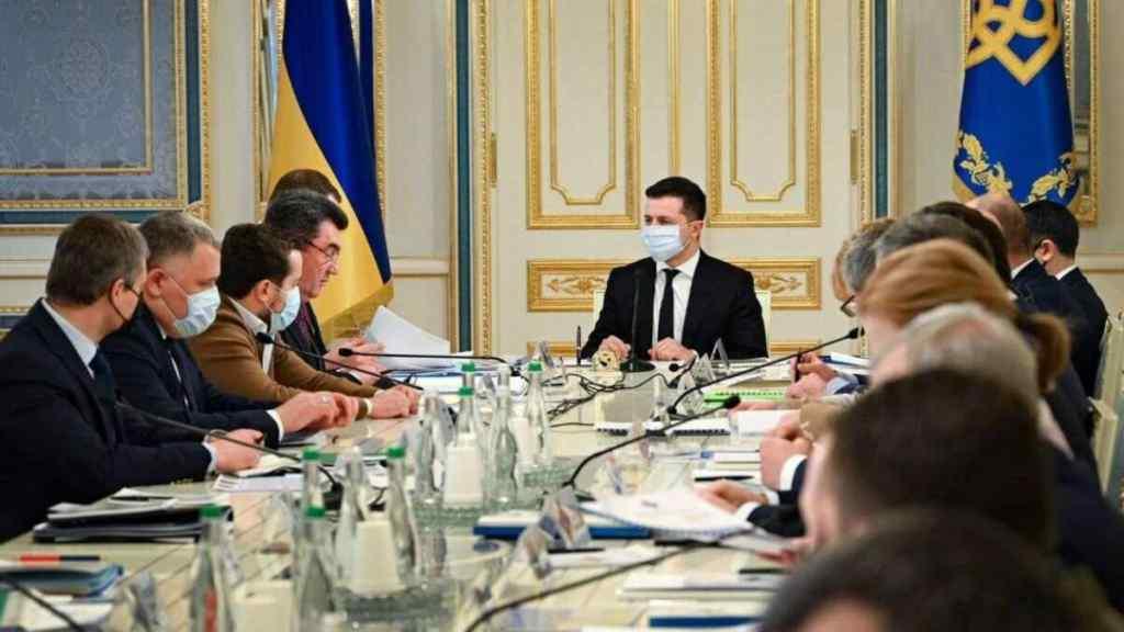 Ще одні санкції! Одразу після засідання РНБО – соратника Путіна погнали. Зеленський влупив : наводимо порядок!