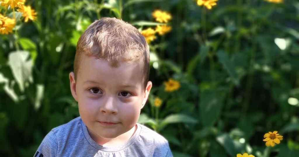 Допомоги для сина просить мама Артема