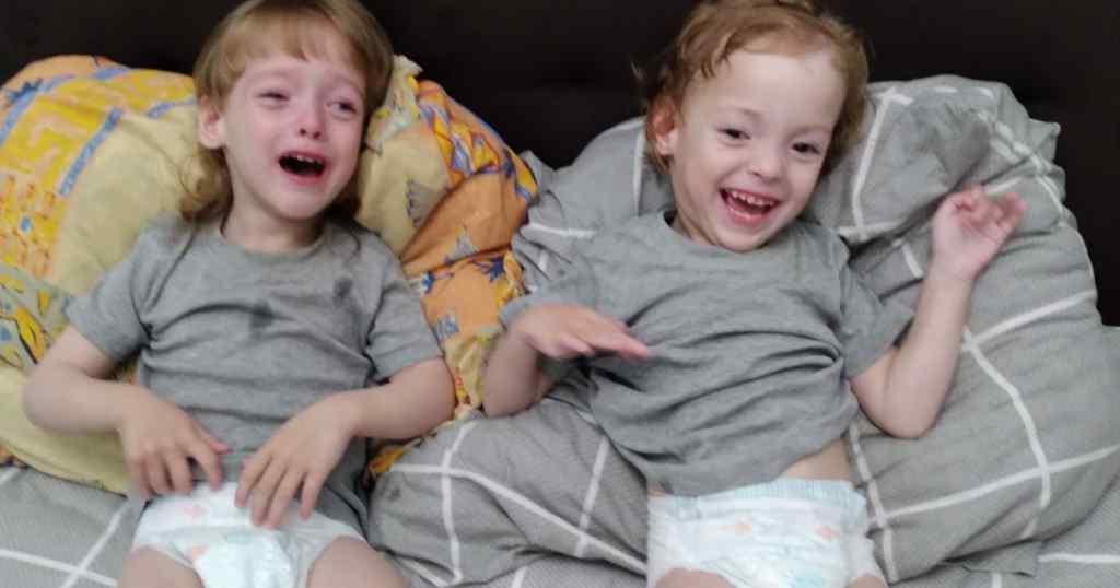 Терміново! Двійняткам Софійці і Алінці потрібна ваша допомога