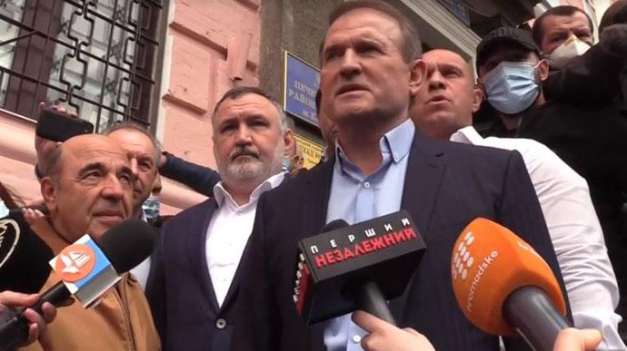 """Просто зараз! Медведчука терміново доставили до суду: Рабінович ніяк не заспокоїться, """"дали 10 хвилин""""!"""
