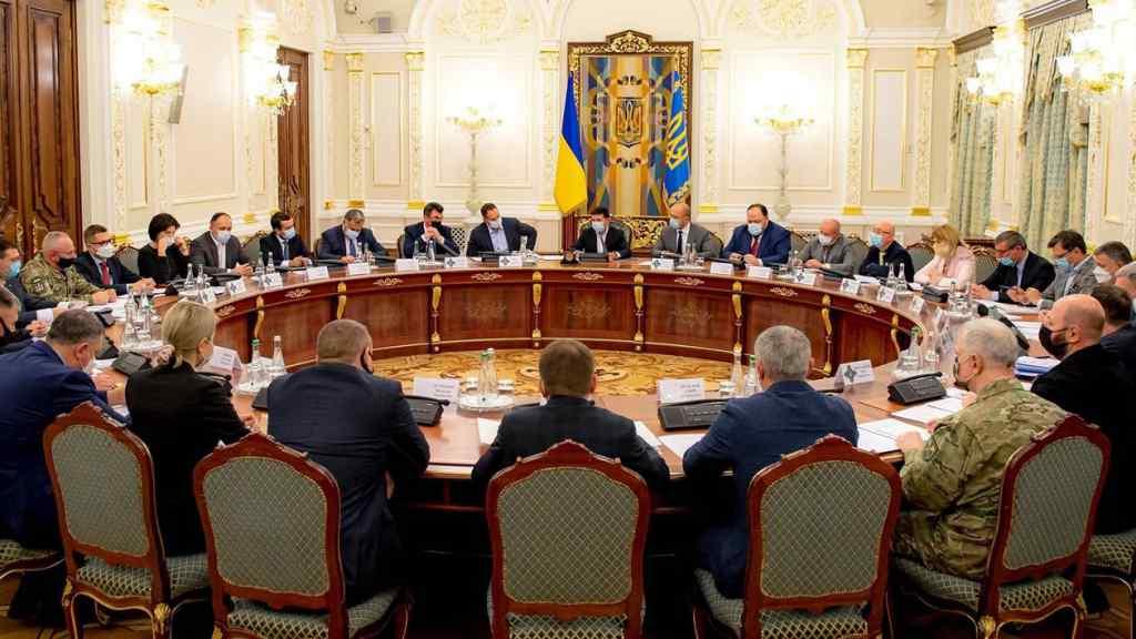 """Після санкцій РНБО! У Зеленського влупили – боротьба триває : """"не місце в Україні""""!"""
