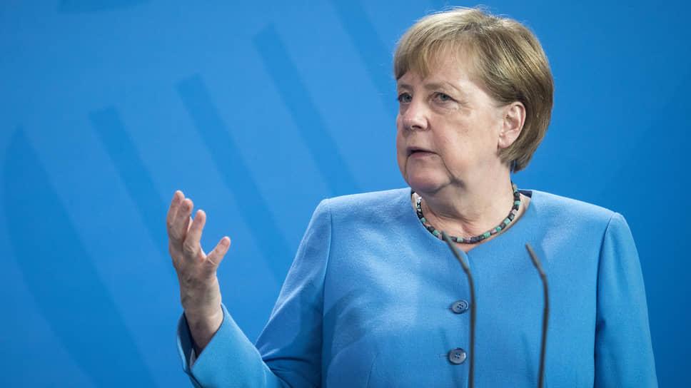 """Меркель пригрозила! Санкції проти """"Північного потоку-2"""" – Путін не чекав"""